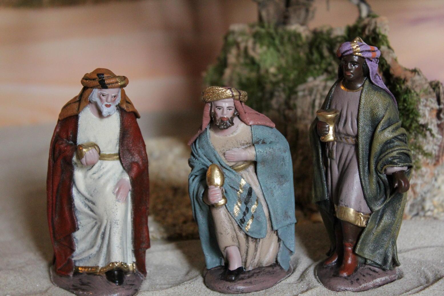 Figuren ca.10cm aus olivenholz ...drei  Könige
